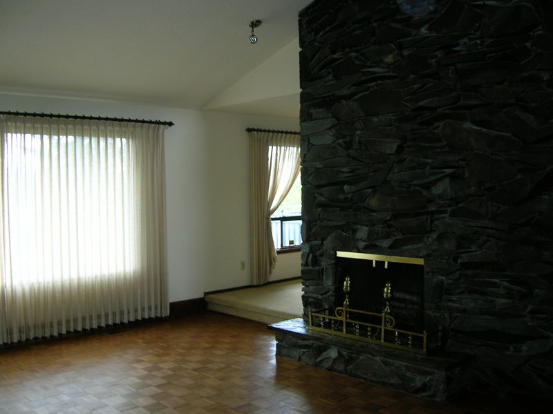 Living room seen from foyer